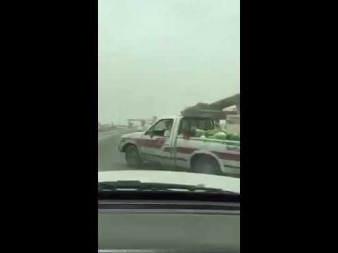 مراقب أمانة في الرياض يصعق مواطن
