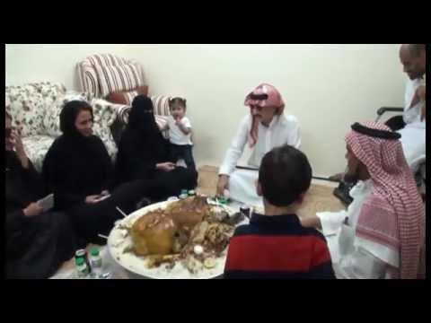 الوليد بن طلال يوزع الشقق الإسكانية المجانية على المواطنين